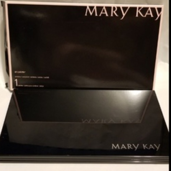 Mary Kay Refillable Pro Palette